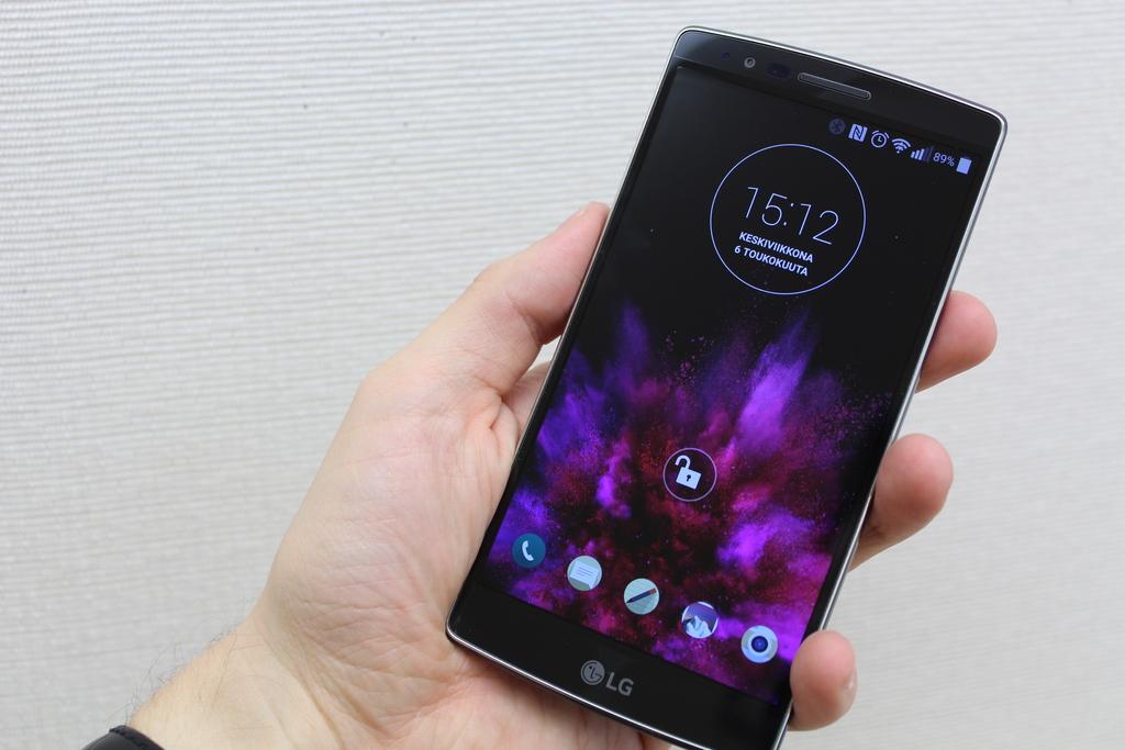 Arvostelu: LG G Flex2