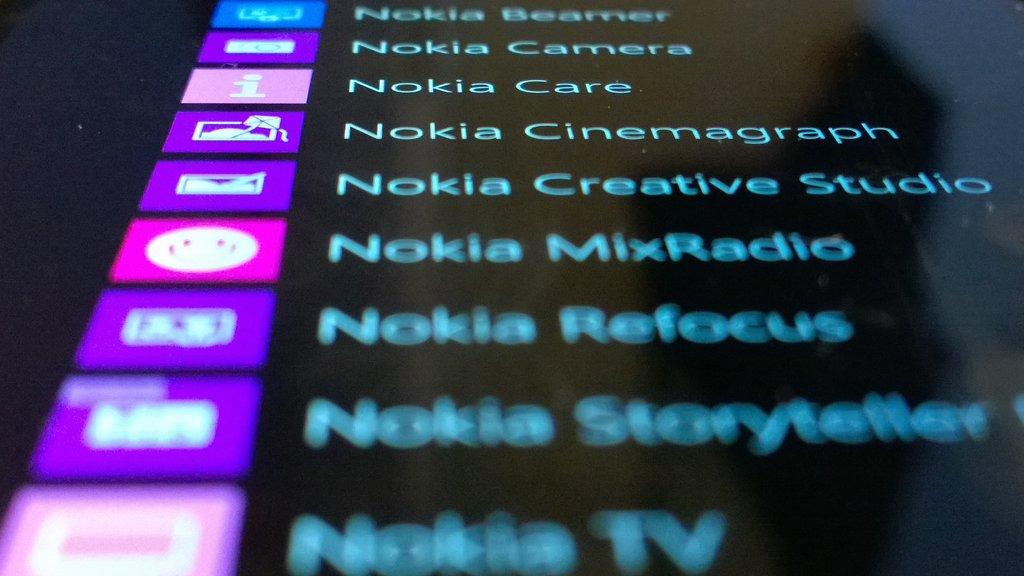 Nokia Lumia 1520 näyttö