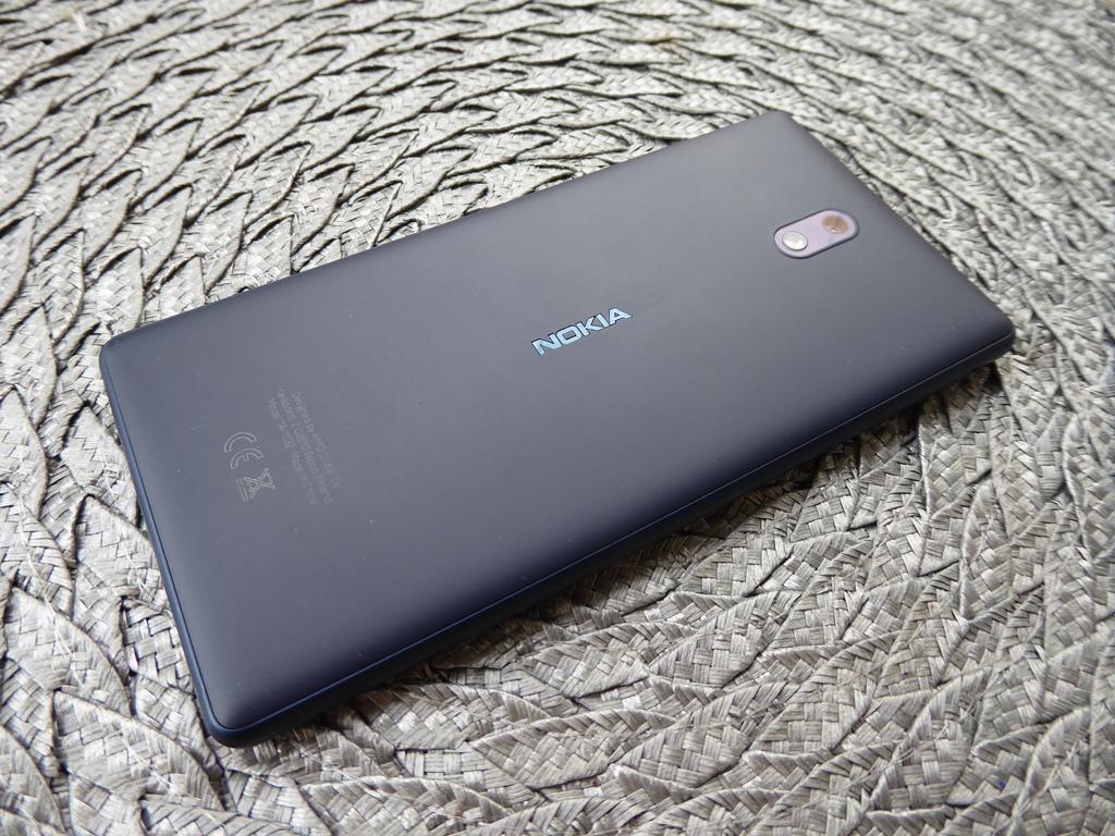Arvostelussa Nokia 3 - Suomessa suunniteltu edullinen Android-älypuhelin