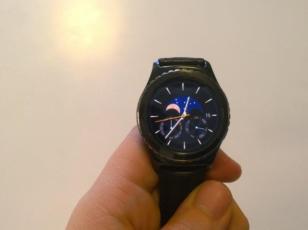 Arvostelu: Samsung Gear S2