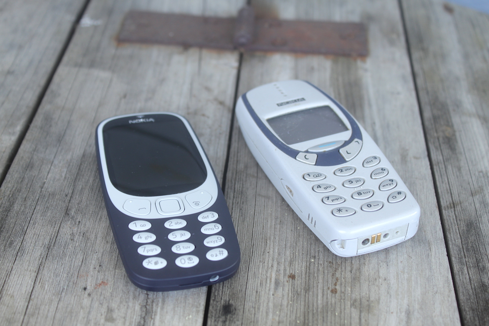 Nokia 3310 (2017) ja Nokia 3330