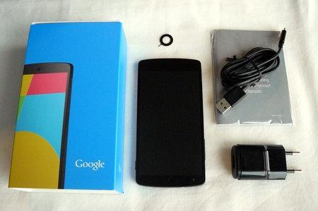 Nexus 5 pakkauksen sis�lt�