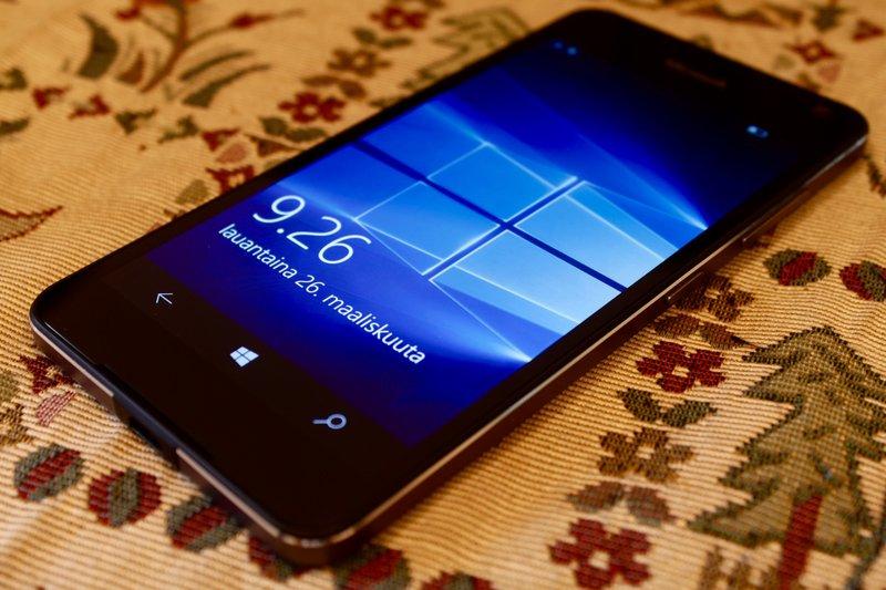 Microsoft Lumia 650 - Muotoilu