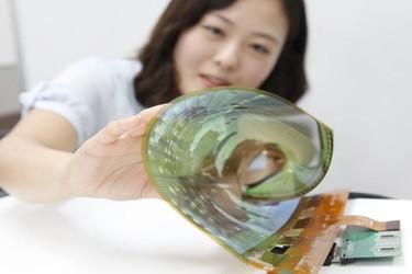 Kaappaako Apple kaikki OLED-näytöt itselleen? Google kiirehtii isoa investointia