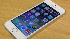 Arvostelussa iPhone 5s - Pieni parannus vai huimaa uutta teknologiaa?