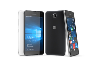 Arvostelu: Microsoft Lumia 650 - Tyylikäs, mutta silti pettymys