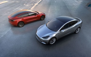 Video: N�in uskomaton on Teslan t�ysin automaatinen ajomoodi