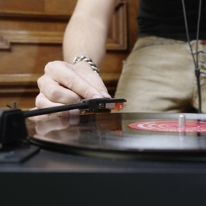 Music streaming services drive rise in Vinyl sales, research shows